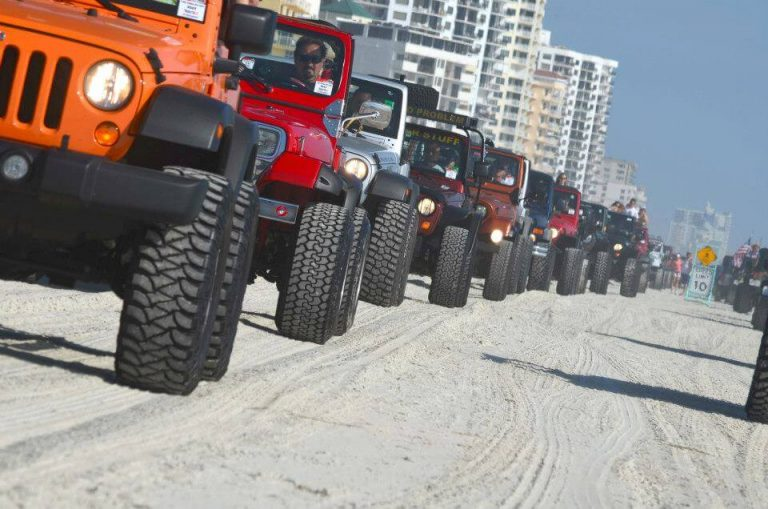 jeep convoy beach